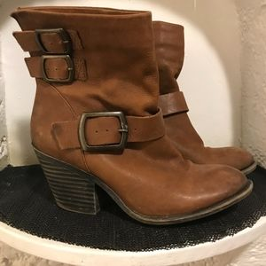Lucky Brand leather boots buckles heels tan size 8
